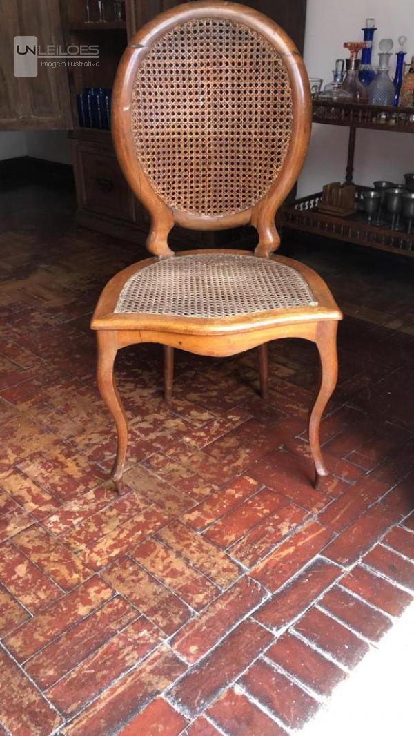 05 Cadeiras Medalhão Colonial Brasileiro